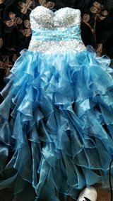 prom dress only used once like new size medium 6/7/8 in 29 Palms, California