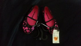 Pink and black heart flats in Temecula, California