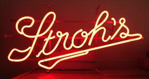 Vintage Neon Stroh's Sign in Alamogordo, New Mexico