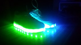 Sz 6 jrs light up shoes in Hinesville, Georgia