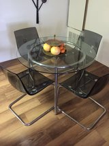 Dining Table Set in San Clemente, California