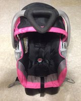Baby Trend Infant Car Seat W/Base Like New in League City, Texas