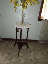 Small table with Marble top in Hinesville, Georgia