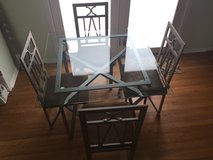 Kitchen Table and Chairs in Bellevue, Nebraska