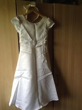 Girls Size 8 First Communion Dress / Formal White Dress w/ bow headband in Kaneohe Bay, Hawaii