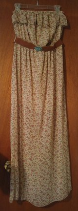 Floral strapless dress in Cleveland, Texas