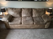 Couch and Love Seat Set in Columbus, Ohio
