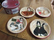 Sakura Christmas Cat Serving Plates in Sandwich, Illinois