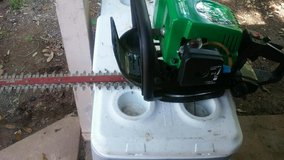 WEEDEATER GAS HEDGE TRIMMER in Shreveport, Louisiana