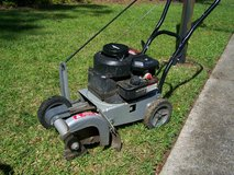 "Lawn Edger - 3.5 HP - 9"" Blade - 4 Cutting Depths in Cherry Point, North Carolina"