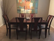 Beautiful dining room set for 6 in Tomball, Texas
