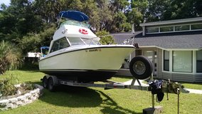 1972 24 foot winner with Flybridge and trailer in Beaufort, South Carolina