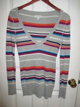 Aeropostale Womens Juniors M Top Sweater V Neck Long Sleeve Striped Gray Casual EveryDay in Bolingbrook, Illinois