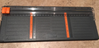 "Used FISKARS 4"" inch paper cutter for scrapbooking in Alamogordo, New Mexico"