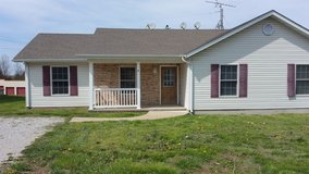 2 bedroom duplex apartment in Fort Leonard Wood, Missouri
