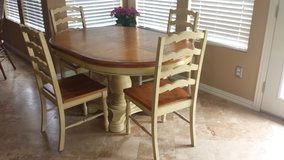 Solid Wood Country Style Kitchen Table & Chairs in Katy, Texas