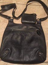 Used Black Leather COACH Crossbody Shoulder Bag w/wallet (used) in Alamogordo, New Mexico