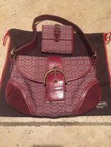 Used COACH Handbag Purse w/wallet Maroon in Alamogordo, New Mexico