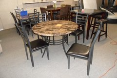 Round marble veneer table with 4 chairs in Fort Knox, Kentucky