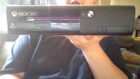 Xbox 360 e, two controllers, white kinect (rare), 250 gb hard drive good condition in Barstow, California
