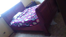 Queen bed frame in Lawton, Oklahoma