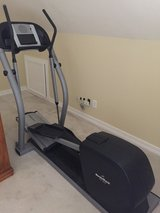 Nordic Track CX 1055 Elliptical Trainer in Houston, Texas
