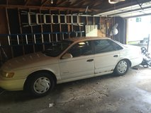 1993 Ford Taurus in Quad Cities, Iowa