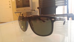 Ray Bans (Polarized), Authentic in Fort Sam Houston, Texas