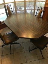 Dining table and chairs in Alvin, Texas