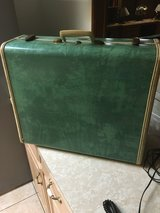 Vintage Suitcase (a) in Alvin, Texas