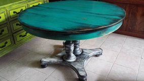 Solid Oak Large Rustic Table in Baytown, Texas