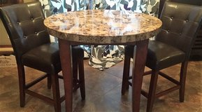 Quaint Dining Set in Shreveport, Louisiana