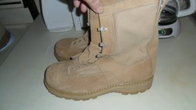 size 7.5 W Bates Gore-Tex boots in Fort Campbell, Kentucky