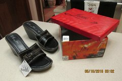 NWT Black Wedge Shoes In Box -- Size 8 1/2 Wide in Kingwood, Texas