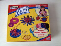 NEW RoseArt flower looms pack kit, knitting unique craft flowers w/ patterns tools & needle in Naperville, Illinois
