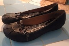 REDUCED!! size 8 flats in Camp Lejeune, North Carolina