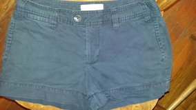 Gap size6 Navy blue shorts in Dickson, Tennessee