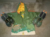 Kidorable Dinosaur 2T Raincoat & Boots (size 7&8) in Kaneohe Bay, Hawaii