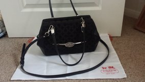 COACH purse with detachable sling in Lakenheath, UK