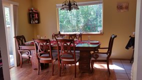 Custom made oak table w/6 chairs in Fort Lewis, Washington