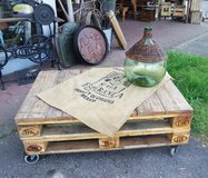 pallet table ideal for a patio in Spangdahlem, Germany