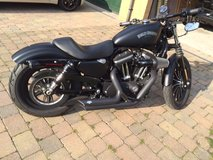 2014 Harley Davidson Iron 883 with only 1,600 miles 3 years warranty in Lakenheath, UK