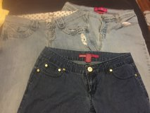 Size 9 jeans skinny & flare in Camp Lejeune, North Carolina