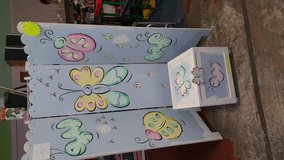 Butterly Screen and Matching Toy Chest in Fort Benning, Georgia