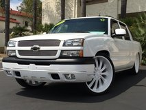 CHEVY AVALANCHE BAGGED ON 26s in Camp Pendleton, California