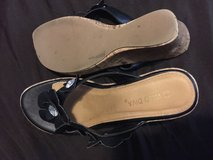 Platform sandals size 7 1/2 in Camp Lejeune, North Carolina