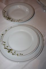 Vintage Porcelain Dish setting with Tureen/gravy bowl. in Ramstein, Germany