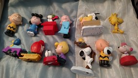 Peanuts gang toys 12 pieces in Tifton, Georgia