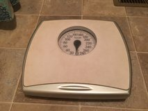 Weighing scale  with adjustible calibration in Fort Campbell, Kentucky