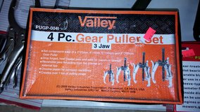 Gear Pullers in Yucca Valley, California